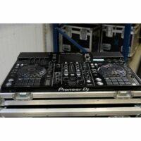Alles-in-één-DJ-systeem Pioneer XDJ-RX2 huren