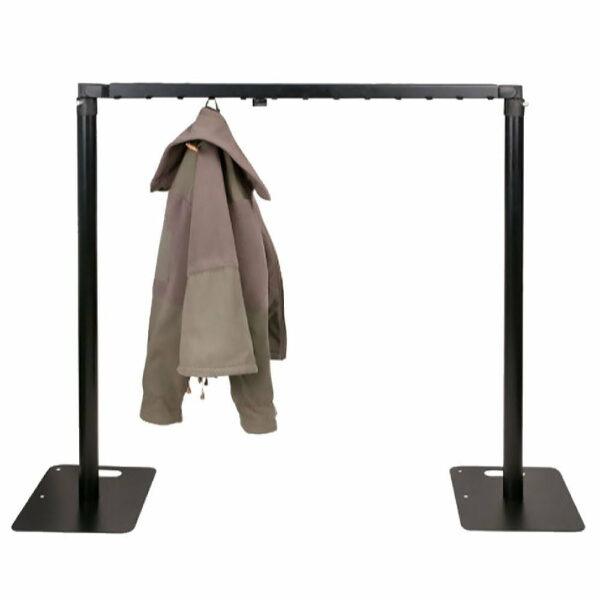 P&D garderobe ligger 100 cm met 26 haken