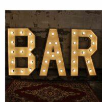 Verlichte woorden – Bar huren